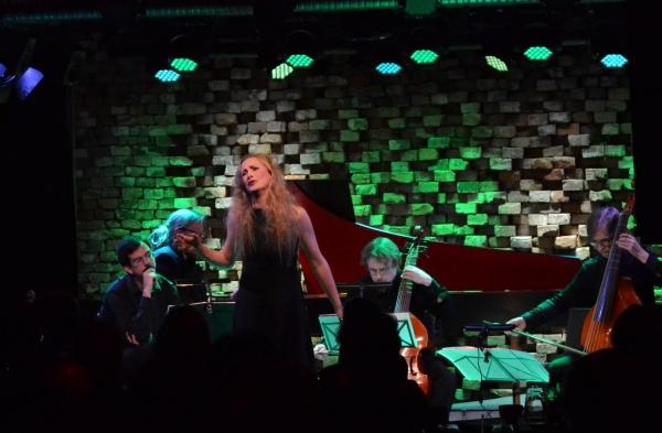 Avanti! Musiikkitalolla: A Mad Song